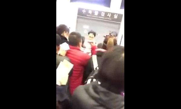 สาวไทยแน่มาก อัดคลิปต่อว่านักท่องเที่ยวจีนแซงคิว