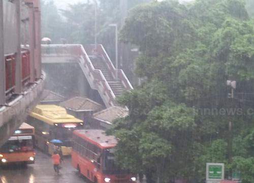 อุตุฯ พยากรณ์อากาศช่วงเย็นทั่วไทยมีพายุฝน กทม.ฝนร้อยละ 40