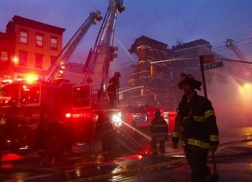 ไฟไหม้ตึกยูนิลิเวอร์กลางนิวยอร์กคนงานหาย6