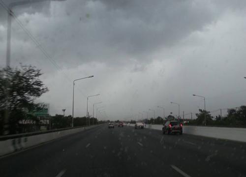 ไทยตอนบนอุณหภูมิสูงขึ้นโดยทั่วไปฝนฟ้าคะนองลดลง