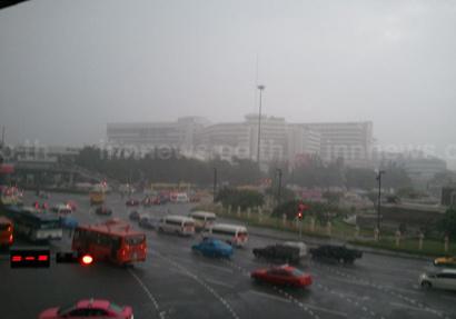 อุตุฯ พยากรณ์อากาศเย็น 1-3 เม.ย. มีพายุฝน - กทม.ร้อน