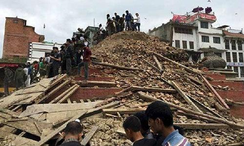 ยอดผู้เสียชีวิตแผ่นดินไหวเนปาล พุ่ง 2,500 ศพ