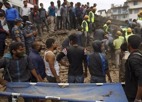 ยอดตายดินไหวเนปาลพุ่ง4,438เจ็บกว่า8,000