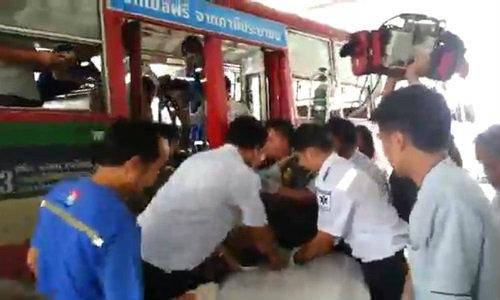 นาทีชีวิต! รถเมล์สาย 23 น้ำใจงามส่งผู้โดยสารถึง รพ. แต่สุดยื้อ