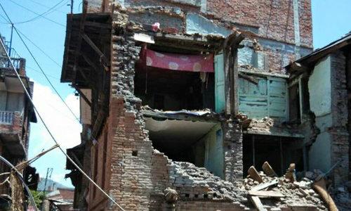 พบผู้รอดชีวิตเหตุแผ่นดินไหวเนปาลเพิ่ม 3 ราย
