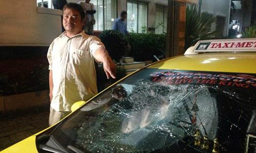 รวบหนุ่มเมากาว ปาหินใส่แท็กซี่พังยับกว่า 6 คัน