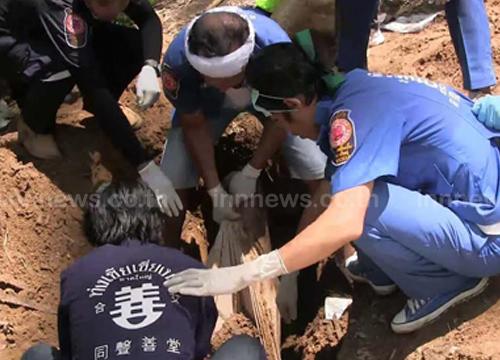 เด้ง!ผบก.สตูล5เสือปาดังฯคดีโรฮิงยา-พบหลุมศพเพิ่มอีก