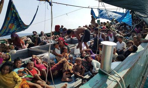 พบเรือขนโรฮีนจากว่า 300 คน กลางทะเลสตูล