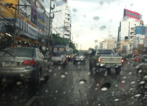 อุตุฯเผยไทยมีฝนฟ้าคะนองกทม.ฝนร้อยละ30