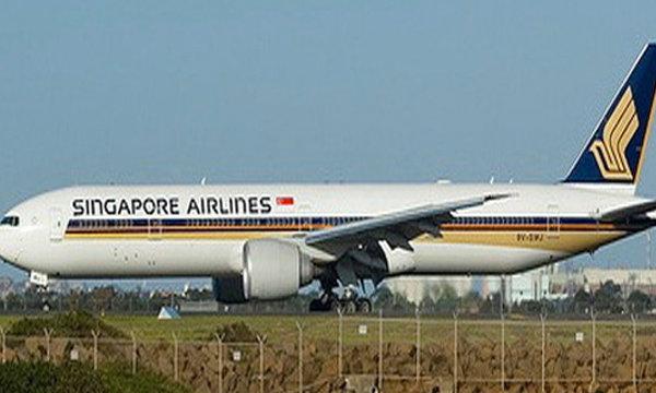 เครื่องบินสิงคโปร์แอร์ไลน์ เครื่องยนต์ดับกลางอากาศ