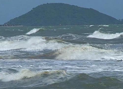 อุตุฯเผยใต้มีฝนหนักบางแห่งกทม.30%-ทะเลคลื่นสูง