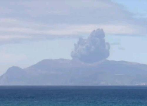 ญี่ปุ่นเตือนภัยขั้นสูงสุด-ภูเขาไฟเกาะคิวชูปะทุหนัก