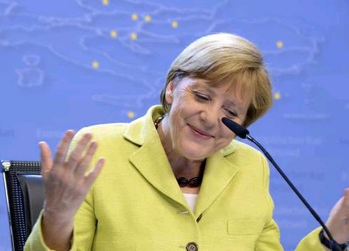 เยอรมันย้ำไม่ช่วยกรีซก่อนทำประชามติ
