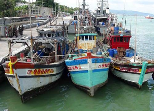 ทัพเรือภาค2จับเรือประมงเวียดนาม3ลำ