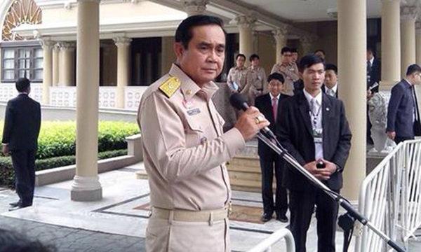 พล.อ.ประยุทธ์ ปัดโอนเงินหมื่นล้านเก็บ สิงคโปร์