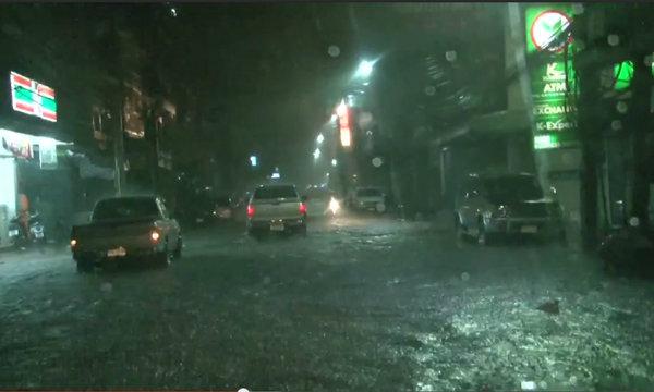 สุรินทร์ฝนตกหนักท่วมเมือง นาข้าว 3 ล้านไร่รอด