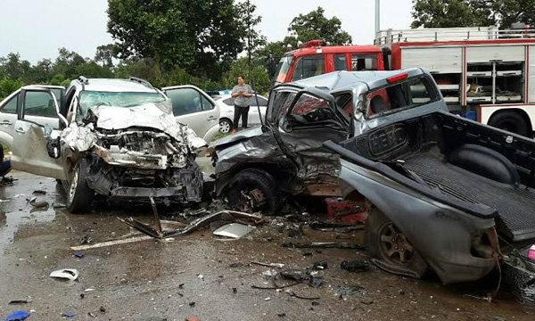กระบะเสียหลักข้ามเกาะชนรถคณะผู้บริหารมิชลินชาวต่างชาติเสียชีวิต