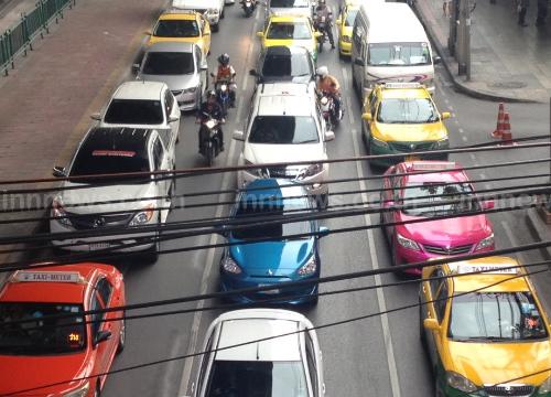 จราจรช่วงเย็นถนนดินแดง,แจ้งวัฒนะรถมาก