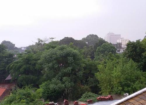 เรดาร์พบฝนทั่วฝั่งธนบุรีเคลื่อนมาฝั่งพระนคร