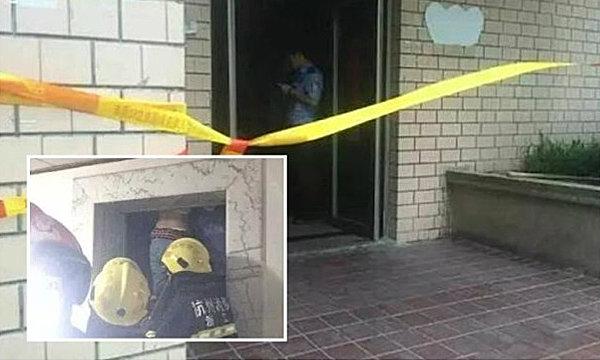 สยอง สาวจีนถูกลิฟท์หนีบ หัวกับร่างอยู่คนละชั้น