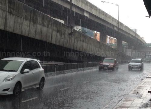 อุตุฯเผยไทยฝนยังหนาแน่นเหนืออีสานใต้ฝั่งตต.ตกหนัก