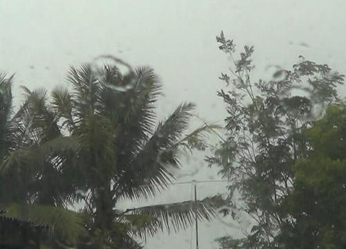ไทยตอนบนยังมีฝนอีสาน,ตอ.ตกหนักบางแห่งกทม.60%
