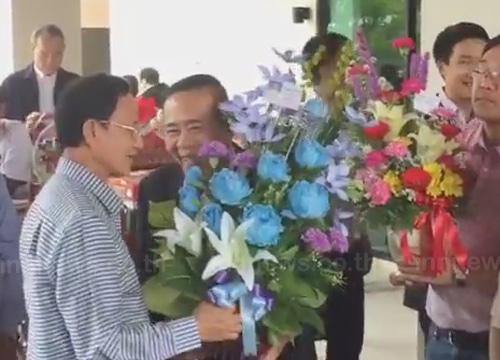สมชายเปิดบ้านวันเกิด68ปี-แกนนำพท.อวยพร