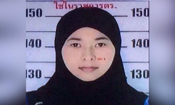 ทหาร-ตำรวจ บุกค้นบ้าน หญิงตามหมายจับปมบึ้มราชประสงค์ที่พังงา พบอยู่ตุรกีแล้ว