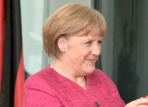 นายกฯเยอรมันชี้หนี้ภูมิภาคต้องเร่งจัดการเพื่อยกค่าเงิน