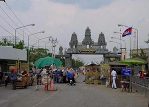กัมพูชาเผยไม่มีผู้สงสัยบึ้มหนีเข้า-พร้อมช่วยไทย