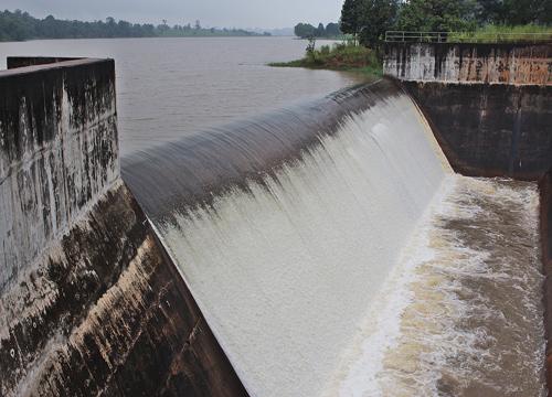 กรมชลฯรายงานน้ำล่าสุดค่าเฉลี่ยน้ำฝนน้อย17%