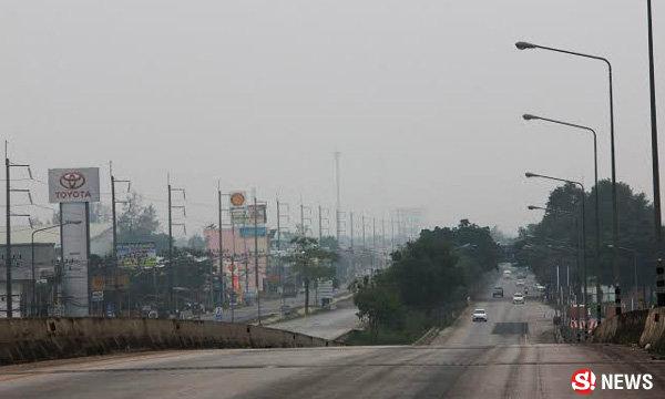ภาคใต้เริ่มวิกฤต ควันไฟป่าคลุม หาดใหญ่-พัทลุง อากาศแย่