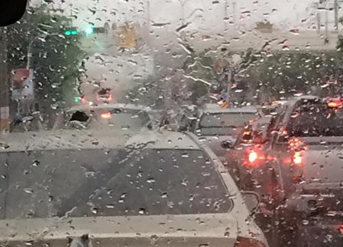 อุตุฯเผยไทยตอนบนฝนหนาเหนืออีสานตกหนักกทม.60%
