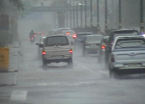 อุตุเผยเหนืออีสานกลางฝนลดภาคใต้ตอ.ตกหนัก