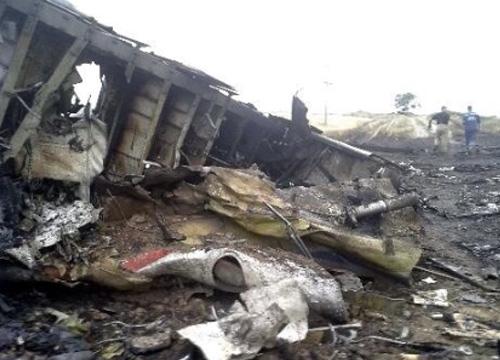 ผลตรวจซากบินMH17ถูกยิงด้วยวัตถุพลังงานสูง
