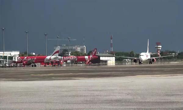 ยกเลิกแล้ว 54 เที่ยวบิน หนีโคมลอยยี่เป็ง สนามบินเชียงใหม่สั่งตรวจเข้ม