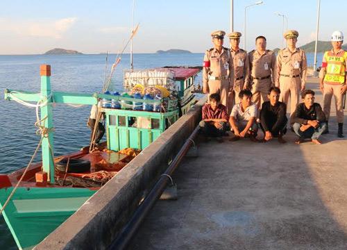 ทร.1จับกุมเรือประมงเวียดนามรุกน่านน้ำไทย