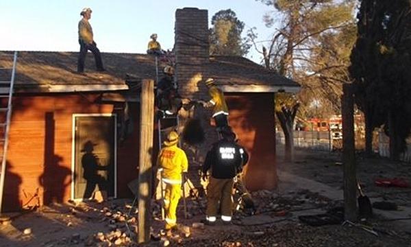 สยอง!! หัวขโมยถูกย่างสดคาปล่องไฟ หลังเจ้าของบ้านจุดไฟเพราะไม่รู้ว่ามีขโมยแอบมุดลงไป