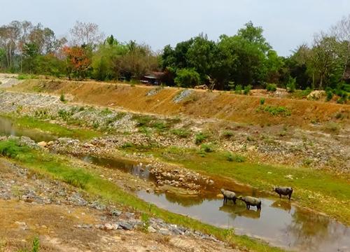 ปราจีนบุรีน้ำแห้งขอดเกลี้ยงประปาขุ่น