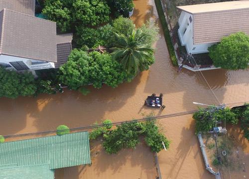น้ำท่วมลพบุรีเริ่มคลี่คลายหลังไม่มีฝนตกเพิ่มเติม