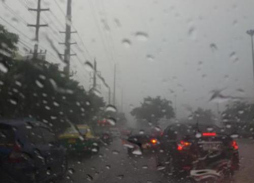 กลางตอ.ใต้ฝนตกต่อเนื่องหนัก-กทม.ตก70%