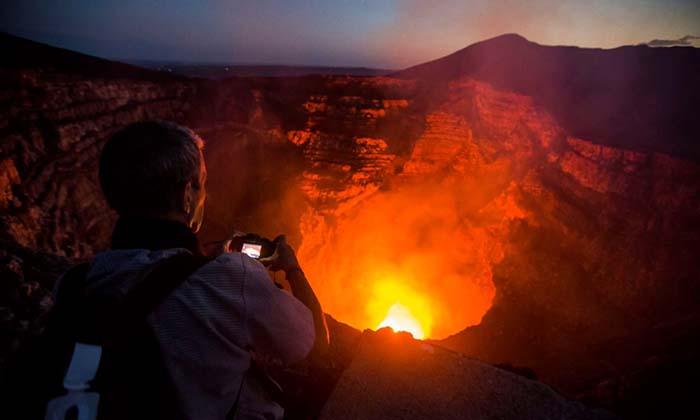 นักวิจัยอาร์เจนติน่า ตกปล่องภูเขาไฟนิการากัวที่ร้อนระอุ