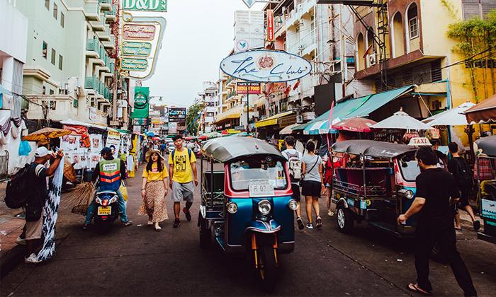 """ศุลกากร มึน! ตรวจจับ """"ภาษี"""" ไม่ทัน สินค้าออนไลน์ทะลักเข้าไทยเฉียด 12 ล้านชิ้น"""