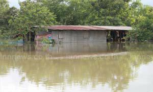 ต.ปากน้ำอ่วมจมทั้ง12 หมู่บ้านถนนถูกตัดขาด