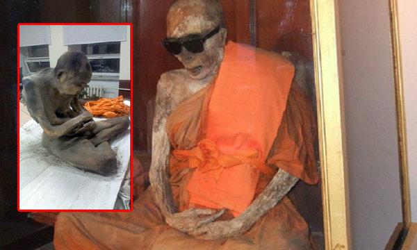 ตะลึง พบพระมองโกเลีย มรณภาพในท่านั่งสมาธิแข็งเป็นมัมมี่