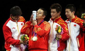 จีนกวาดทองปิงปองโอลิมปิกเรียบ 2 สมัยซ้อน