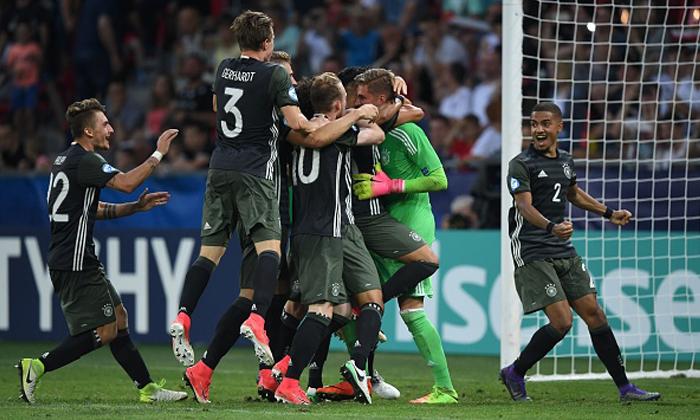 """ฉันแพ้ทางคนอย่างเธอ! """"เยอรมนี"""" แม่นโทษดับ """"อังกฤษ"""" ทะลุชิงยูโร U21 (คลิป)"""