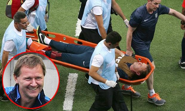 ทีมแพทย์สิงโตเฮเกินเหตุข้อเท้าเคลื่อน
