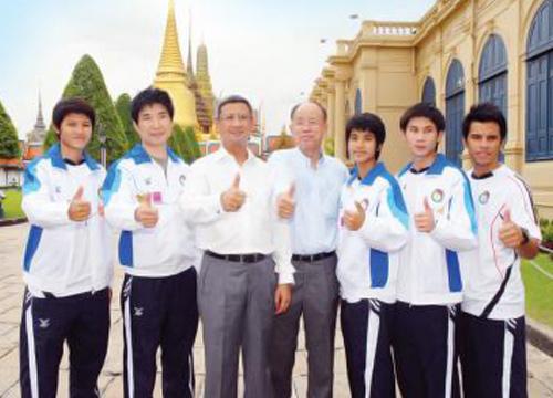 ทัพเทควันโดไทยขอพรสิ่งศักดิ์สิทธิ์ก่อนลุยอินชอนเกมส์