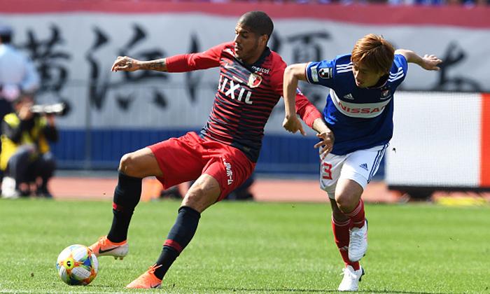 ยิงชัยท้ายเกม! คาชิม่า เปิดรังเชือด โยโกฮาม่า 2-1 กระโดดขึ้นรองฝูง